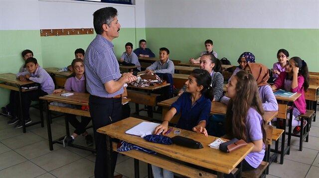 15 tatil ne zaman başlıyor sorusu, Milli Eğitim Bakanlığı'nın takvimi üzerinden açıklandı.