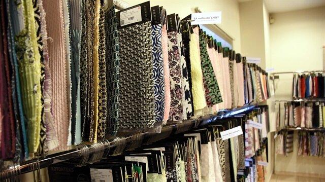 """Rus tekstilciler """"Bursa kumaşı""""na geldi."""