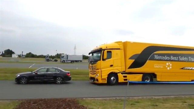 Mercedes TIR'ın acil fren sistemi çalışmayınca..