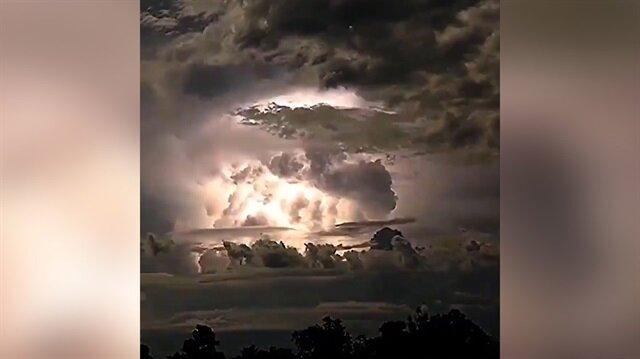 Avustralya'da gerçekleşen ürkütücü elektrik fırtınası
