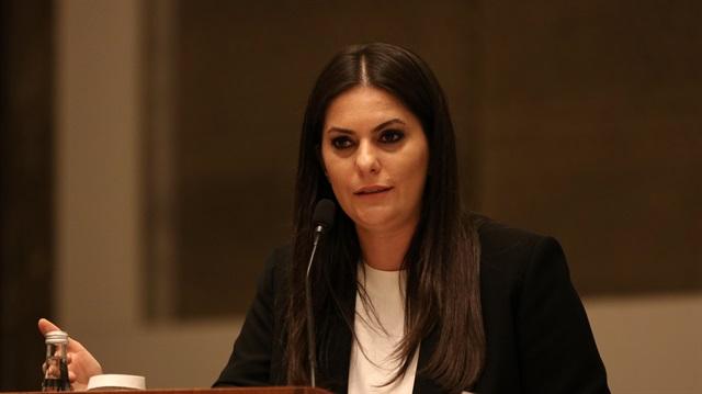 Çalışma ve Sosyal Güvenlik Bakanı Jülide Sarıeroğlu, yaptığı açıklamayla kadro geçeceklere ek ikramiye verileceğini duyurdu.