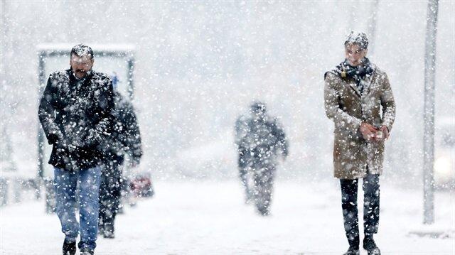 Meteorolojiden bazı illere yoğun kar yağışı uyarısı yapıldı.