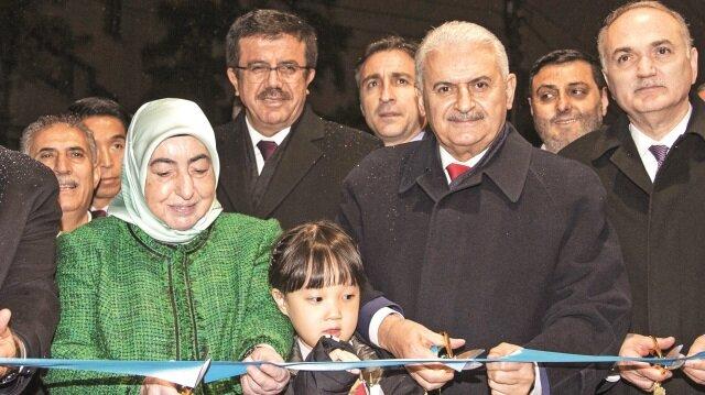 Başbakan Yıldırım, Türkiye'nin Seul Büyükelçiliğinin yeni binasını hizmete açtı.