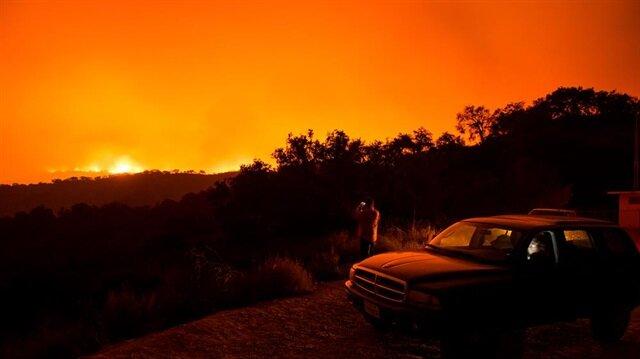 Kaliforniya'daki dev yangın böyle görüntülendi