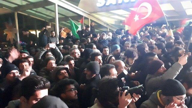 Yaklaşık 500 kişi ABD'nin Ankara Büyükelçiliği önünde toplantı