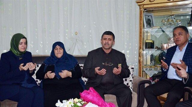 Aile ve Sosyal Politikalar Bakanı Fatma Betül Sayan Kaya şehit ailesini ziyaret etti.