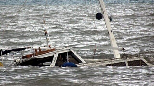 Pakistan'da alabora olan teknede 18 kişi öldü, çok sayıda kayıp aranıyor.