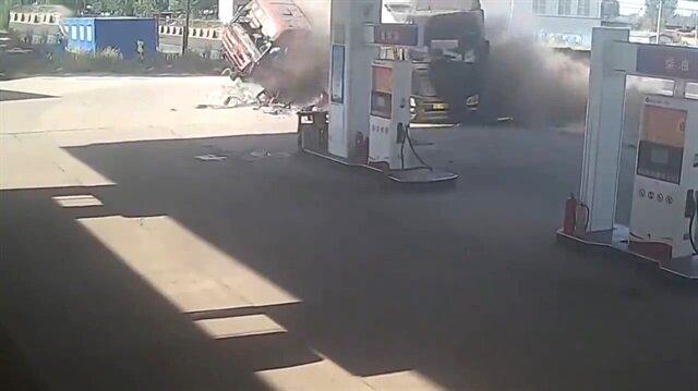 Benzin istasyonunda feci kaza!