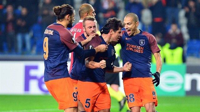 Başakşehir kendi evinde karşılaştığı Braga'yı 2-1 yendi ancak gruptan çıkamadı.