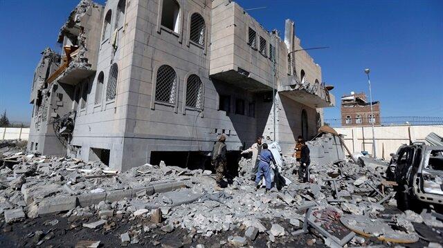 Suudi Arabistan Yemen'de polis merkezini vurdu: 39 ölü
