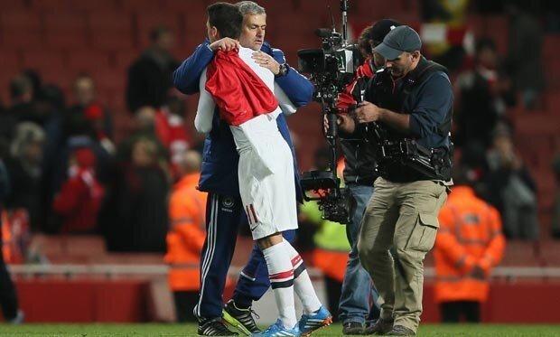 Jose Mourinho ile Mesut Özil arasında güçlü bir bağ var.