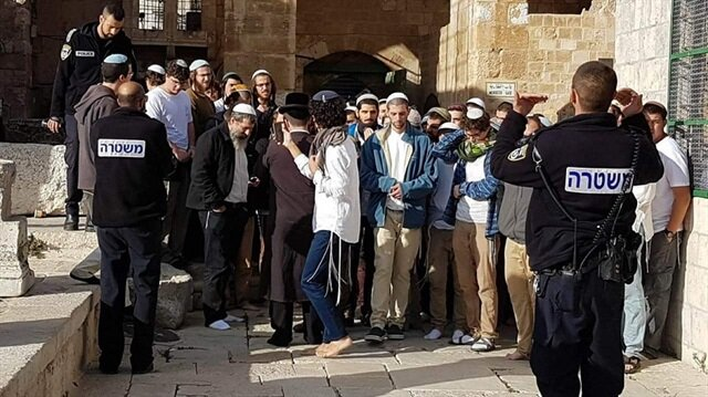 Yahudiler Mescid-i Aksa'ya girdi