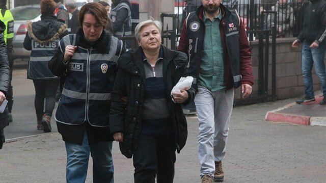 Operasyonda gözaltına alınanlar polis merkezine getirildiler