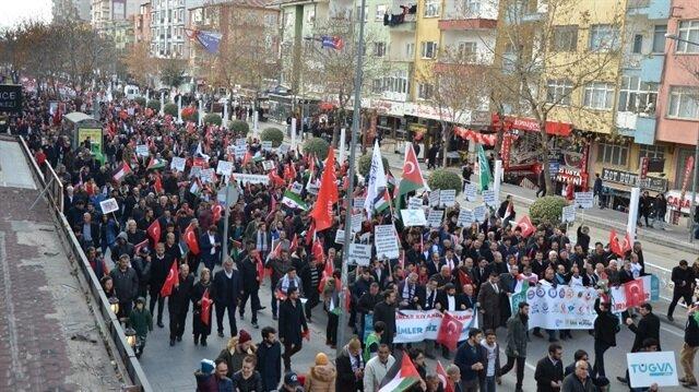 Niğde'de Kudüs için 5 bin kişi yürüdü.