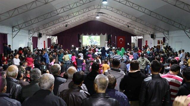 Osmaniye'deki geçici barınma merkezinde kalan Suriyeli Türkmenler, Kars'ın Sarıkamış ilçesinde 103 yıl önce şehit olan 90 bin askeri andı.