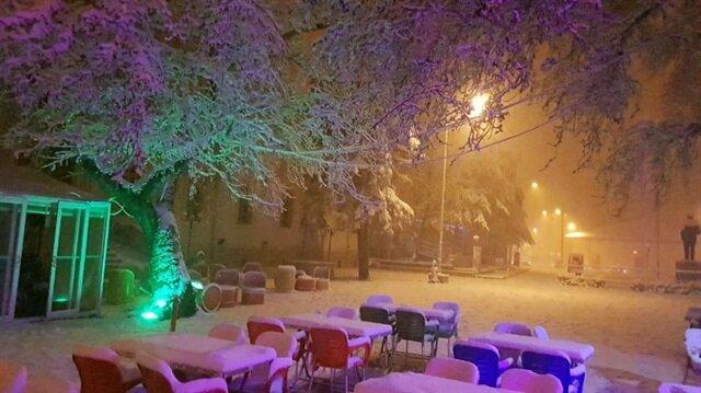 Kent merkezinde kar etkisini gösterdi