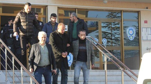 Telefonda kendilerini polis olarak tanıtıp dolandırıcılık yaptıkları belirlenen 4 zanlı tutuklandı.