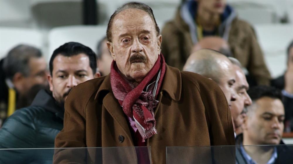 İlhan Cavcav 40 yıl Gençlerbirliği takımının başkanlığı yaptı.