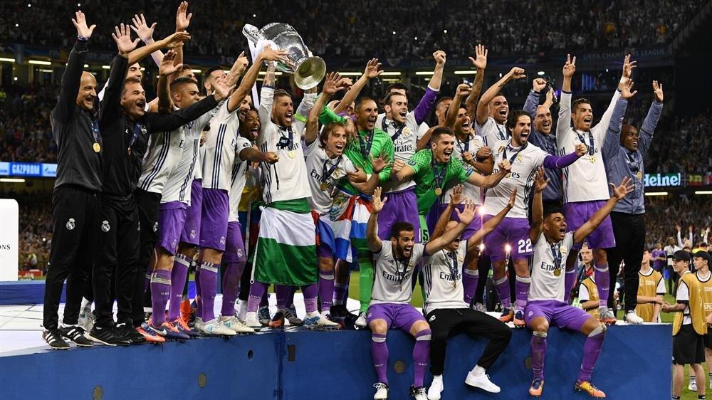 Real Madrid 12'nci Şampiyonlar Ligi kupasını kazandı.