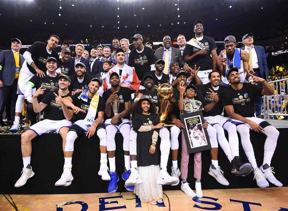Golden State Warriors 5. şampiyonluğunu kazandı.