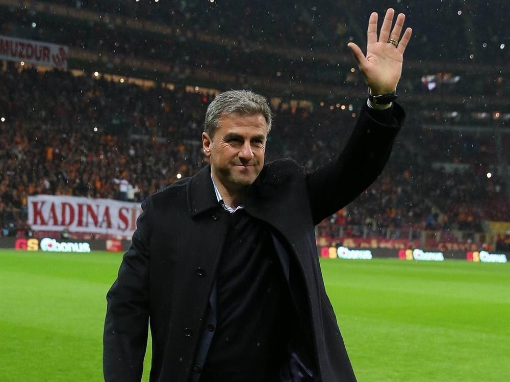 2014-2015 sezonunda Galatasaray'ı çalıştıran Hamza Hamzaoğlu, sarı kırmızılı takımda; Süper Lig, Türkiye Kupası ve Süper Kupa şampiyonluğu elde etmişti.
