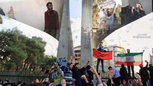 İran'ın Meşhed kentinde başlayan gösteriler ülke geneline dalga dalga yayılıyor