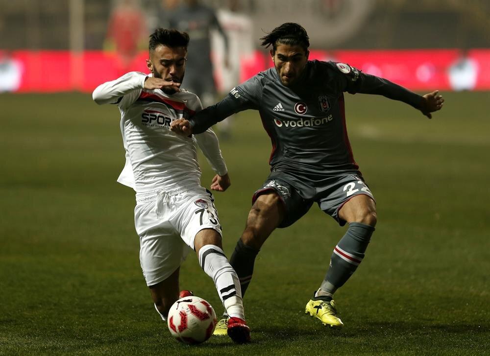 27 yaşındaki Aras Özbiliz bu sezon sadece Türkiye Kupası'nda 37 dakika süre aldı.