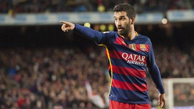 Arda Turan bu sezon Barcelona'da forma şansı bulamadı.