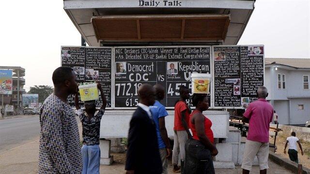 """Liberyalılar haberi 17 yıldır """"kara tahtadan"""" öğreniyor."""