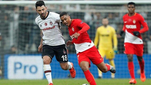 Futbol kariyerine Hamburg'da başlayan Tolgay Arslan 4 sezondur Beşiktaş forması giyiyor.