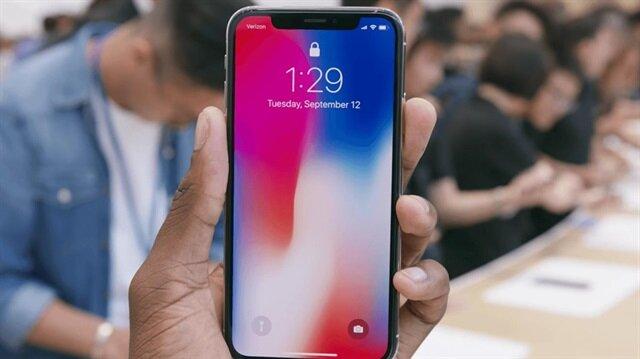 iPhone X cihazlarında yer alan Face ID teknolojisine güvenen Apple, telefonundan parmak izi okuyucusunu kaldırdı.