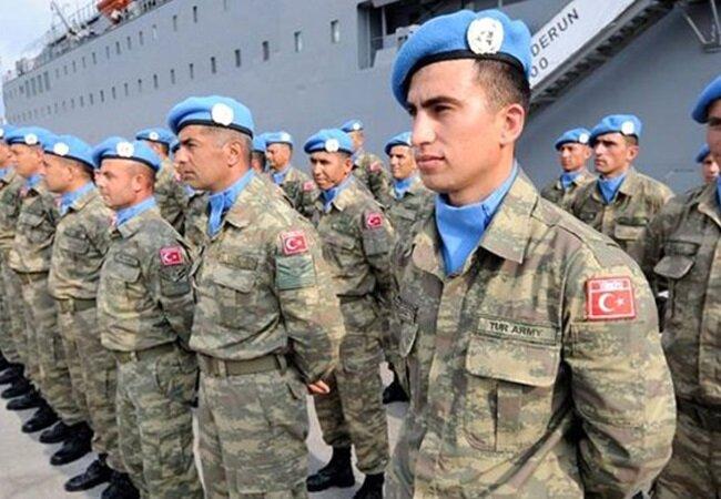Lübnan'a barışı desteklemek için giden askerler.