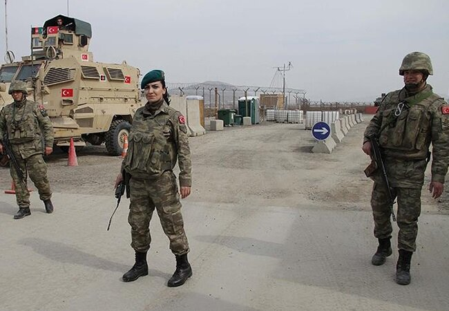 Afganistan'da görev yapan Türk askerleri.