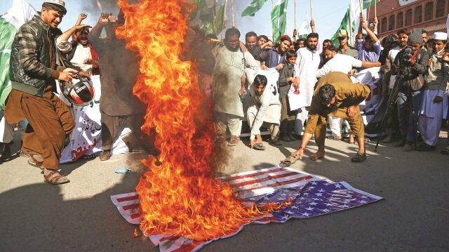 Trump'tan Pakistan'a tehdit