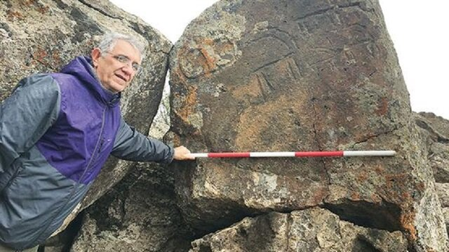 Kars'taki yüzey araştırmaları sırasında bulunan kaya resimleri.