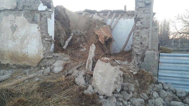 Kerpiç evin altında kalan dağıtım iznindeki asker yaşamını yitirdi