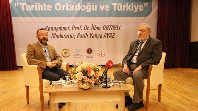 Ünlü tarihçi Ortaylı, Adana'da konferansa katıldı