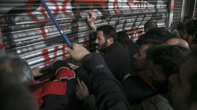 Yunanistan'da göstericiler Çalışma Bakanlığını işgal etti