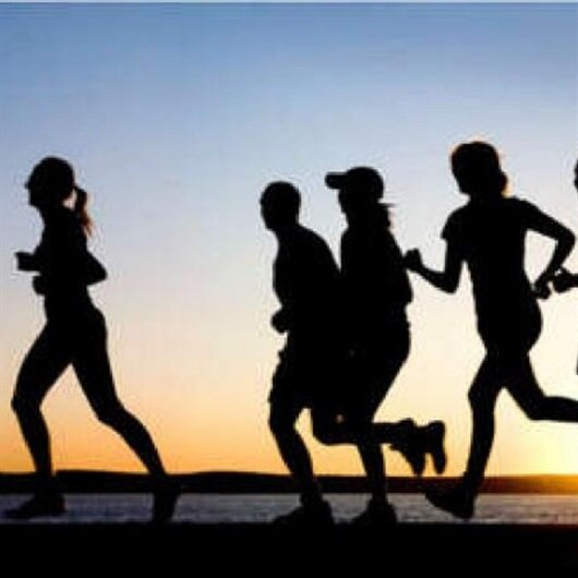 30 دقيقة رياضة يوميًا تقي من أمراض القلب بمنتصف العمر