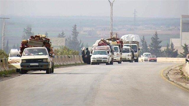 قصف طائرات الأسد لإدلب يسبب موجة نزوح جديدة إلى تركيا