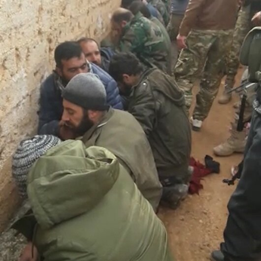 Muhalifler 20 Esed askerini esir aldı