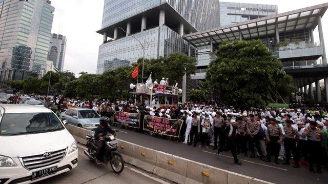 Hundreds protest against Facebook in Jakarta, Indonesia