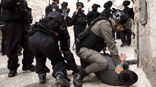 İsrail'in Gazze sınırına düzenlediği saldırılarda 10 kişi yaralandı