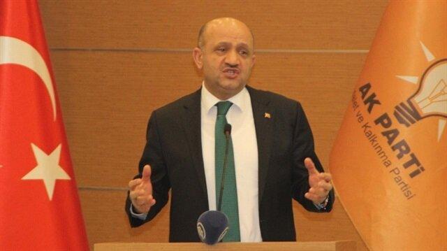 Başbakan Yardımcısı Fikri Işık, Muş'ta partisinin olağan il kongresinde açıklamalar yaptı.