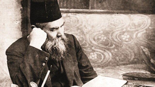 Ahmet Midhat Efendi'nin yaklaşık 30 yıldır kayıp olan ve en son Basın Müzesi'ne bağışlandığı bilinen çalışma masası bulundu.