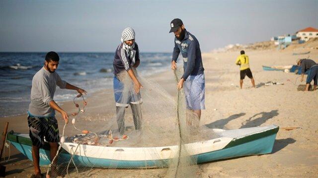 Mısır ordusu Gazzeli balıkçıyı katletti!