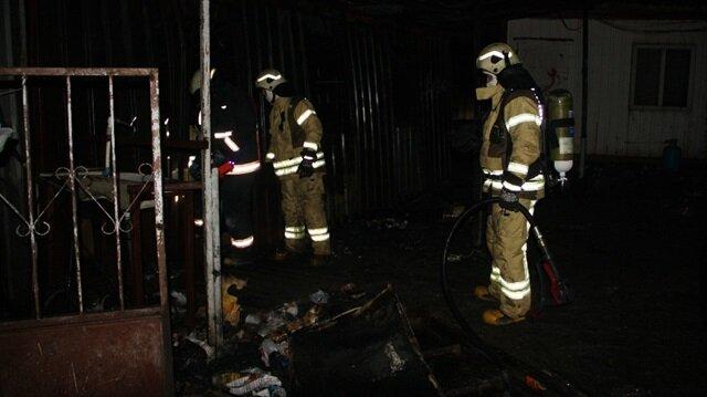 Beylikdüzü'nde konteynerde yangın: 3 kişi hayatını kaybetti