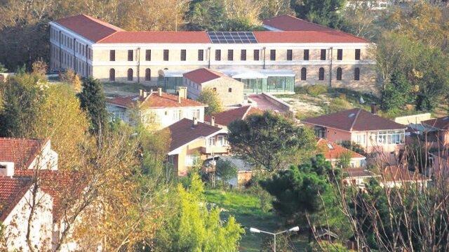 Beykoz'daki tarihi kışla binası Bezmialem'e devredildi