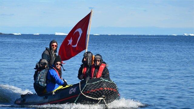 Bilim Üssü için 4 Türk akademisyen Antarktika'ya gitti