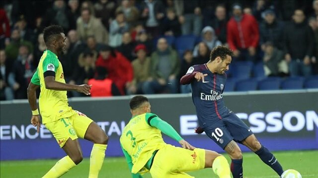 Neymar puts PSG in League Cup semis